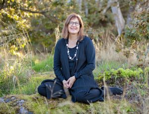 Elizabeth MacIssac - CFUW Elizabeth Massey Award Winner